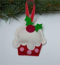 Felt Cupcake Ornament - making a few of these.. (: