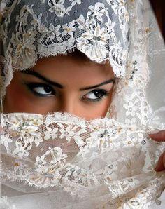 Beautiful Muslim wedding Veil. Perfect Muslim Wedding