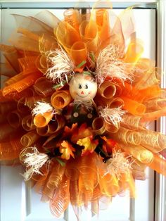 Fall wreath - adorable!  My Dusti would love to make this one!