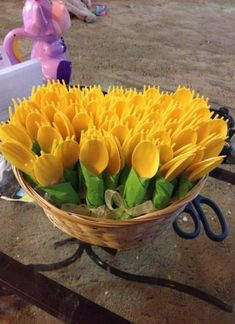 Sunflower wedding - 45 Ideas For Diy Wedding Decorations Mason Jars Bridal Shower wedding diy Banquet Decorations, Bridal Shower Decorations, Diy Wedding Decorations, Wedding Themes, Spring Decorations, Yellow Party Decorations, Birthday Decorations, Sunflower Decorations, Decorating With Sunflowers