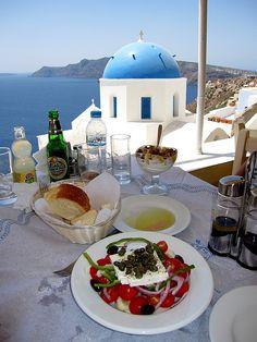 Lunchtime Santorini