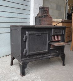 RARE ANTIQUE VICTORIAN CAST IRON THE BELLE STOVE OVEN GUS DAVIES KENTISH TOWN   eBay Cast Iron, It Cast, Stove Oven, Architectural Antiques, Stoves, Rare Antique, Home Appliances, Victorian, Architecture