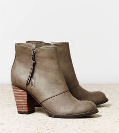 Perfect pair of shoes for Fall #DoubleZipBootie @American Eagle Outfitters #PTCtrends
