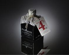 Premium Bottle Design and Bottle Packaging Inspiration Beverage Packaging, Bottle Packaging, Food Packaging, Design Packaging, Product Packaging, Packaging Ideas, Packaging Design Inspiration, Graphic Design Inspiration, Food Design