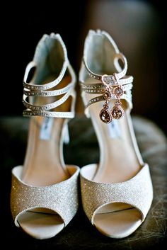 These stunners are one of a kind that go well with a gorgeous white wedding gown