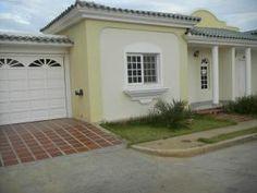 Townhouse En Venta En Avenida Milagro Norte - Código: 16-2458