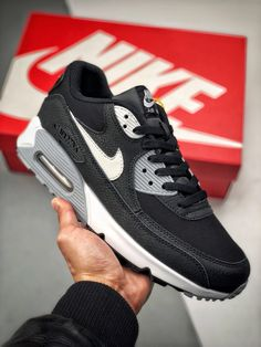 Details about Original Nike Air Max 90 Trainers 537384 426 ODD SIZES ODD PAIR