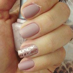 Nude nails   Nail Art   Nail Design   Polish   Polishes   Polished   DIY   Unhas Decoradas   Romantic   Instagram by @lucinhabarteli #Nail Art #Nails #Beauty