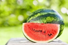 One of Summer's Favorite Fruits - Watermelon - Southeast AgNET How To Grow Watermelon, Watermelon Fruit, Watermelon Varieties, Watermelon Patch, Eating Watermelon, Watermelon Recipes, Watermelon Health Benefits, Home Remedies, Paisajes