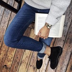 It's about time to start the weekend. #mudjeans #leaseajeans