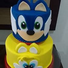 Bolo do sonic redondo Bolo Sonic, Smurfs, Birthday, Character, Cake Ideas, Conch Fritters, Decorating Cakes, Kids Part, Birthdays