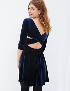 Shop Navy Long Sleeve Cross Back Pleated Dress online. Sheinside offers Navy Long Sleeve Cross Back Pleated Dress & more to fit your fashionable needs. Free Shipping Worldwide!