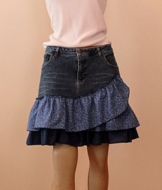 Blue Jean and cotton mini dress - Skirt in Ruffles Jeans Skirt - Upcycled Clothes Refashioning Skirt Outfits, Dress Skirt, Sewing Jeans, Skirt Sewing, Jeans Refashion, Diy Fashion, Fashion Outfits, Recycled Denim, Ruffles