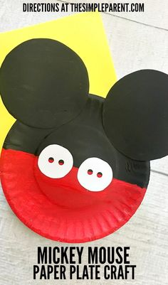Mickey Mouse Paper Plate Craft is Great for Your Favorite Disney Fan! - - Mickey Mouse Paper Plate Craft is Great for Your Favorite Disney Fan! disney art Make this fun Mickey Mouse Paper Plate Craft with your Disney loving family! Disney Diy, Disney Crafts For Kids, Paper Plate Crafts For Kids, Disney Theme, Daycare Crafts, Preschool Crafts, Fun Crafts, Paper Crafts, Mickey Craft