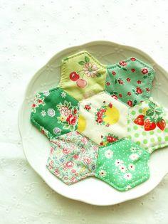 hexie patchwork coaster, via Flickr.