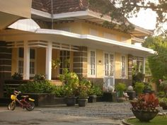 yogya home 2 Colonial Style Homes, Dutch Colonial, Kerala Homes, Art Deco Home, Tropical Houses, Vintage Modern, Types Of Houses, Traditional House, My Dream Home