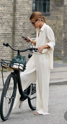 Outfits Inspiration, Mode Inspiration, Copenhagen Style, Copenhagen Fashion Week, Fashion Mode, Look Fashion, Womens Fashion, Timeless Fashion, Girl Fashion