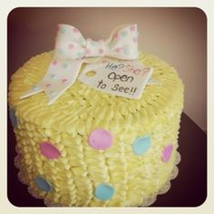 Gender reveal cake! I think this idea is so cute. No more babies for me tho.