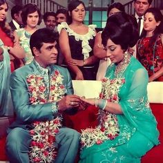 Throw back bollywood Vintage Bollywood, Indian Bollywood, Bollywood Stars, Indian Celebrities, Bollywood Celebrities, Bollywood Actress, Old Film Stars, Movie Stars, Beautiful Indian Actress