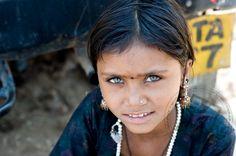 girl from the Thar desert in Rajasthan (India)