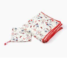 Hello Kitty Quilt Blanket: Foldaway
