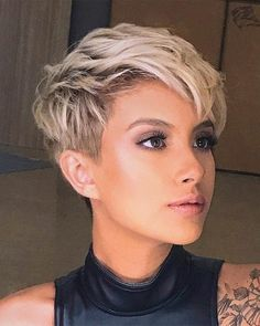 Short hairstyles for thin hair are beautiful trendy hairstyles for girls and women. Short hairstyles for thin hair looks perfect and incredibly cool when it styled with passion and courage. Here are perfect short hairstyles for girls and women to try now. Short Thin Hair, Girl Short Hair, Short Hair Cuts, Short Hair Styles, Pixie Cuts, Short Pixie, Trendy Hairstyles, Girl Hairstyles, Medium Hairstyles