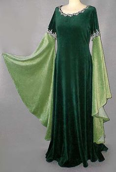 Pagan faërie long dress Costume with emerald green and Anisé velvet