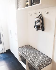 "SQUARE FOX on Instagram: ""I recently completed this bench seat cushion for a black & white themed laundry/mudroom. Always enjoy seeing our custom designs in their new home! ▪️▫️▪️ Congratulations Team S for taking the bold choice in fabric selection  S x #laundry #mudroom #benchseatcushion #interiorinspo #interiors #squarefoxcustom"""
