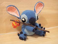 "Stitch - From Lilo and Stitch - Free Amigurumi Pattern - PDF Format - Click ""download"" here: http://www.ravelry.com/patterns/library/amigurumi-stitch-from-lilo-and-stitch"