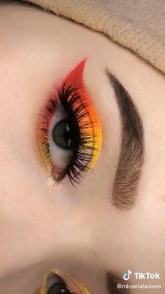 Edgy Makeup, Makeup Eye Looks, Eye Makeup Art, Eyebrow Makeup, Eyeshadow Makeup, Makeup Eyes, Retro Eye Makeup, Fun Makeup, Eyeshadow Looks