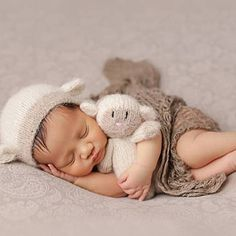 Baby Outfits Newborn, Baby Boy Newborn, Studio Newborn, Boy Photo Shoot, Photo Shoots, Newborn Photography Props, Infant Boy Photography, Baby Boy Pictures, Cute Sheep