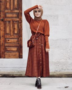 New style hijab casual rok Ideas Hijab Look, Hijab Style, Hijab Chic, Muslim Fashion, Modest Fashion, Trendy Fashion, Fashion Outfits, Trendy Style, Modest Dresses