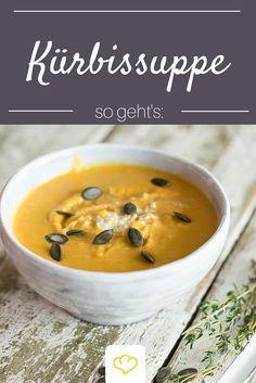 Nichts wärmt so gut wie eine heiße, cremige Kürbissuppe. Chili und Ingwer sorgen für das gewisse Etwas.
