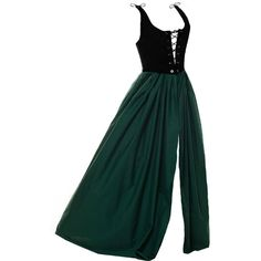 Dr6-L Green Renaissance Medieval Clothing Halloween Costume Pirate... (195 RON) ❤ liked on Polyvore featuring costumes, pirate wench costume, gypsy costume, lady pirate costume, womens victorian costume and belle costume