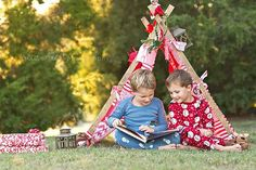 Need to do this with my boys, before they get to big to not want to pose for mom! Holiday Mini Session, Christmas Mini Sessions, Christmas Minis, Christmas Photo Cards, Themed Photography, Photography Mini Sessions, Christmas Photography, Photography Props, Photo Sessions