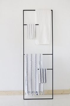 Black Metal Leaning Plant Kitchenware Towel Display Ladder