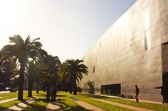 On Foot: A Visit to the De Young Museum and California Academy of Sciences