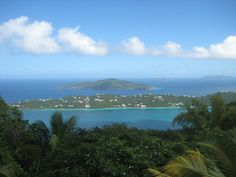 Couchsurf... AND visit St. Thomas, BAM 2in1! (my own photo)