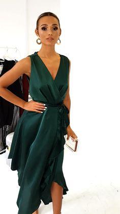 dress Coctel vestidos - Frill Hem Midi Dress in Dark green Elegant Dresses Classy, Classy Dress, Stylish Dresses, Casual Dresses, Fashion Dresses, Casual Midi Dress, Formal Midi Dress, Green Formal Dresses, Dress Long