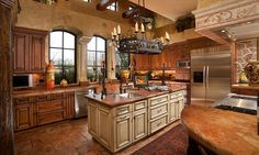 Tuscany style italian kitchen design ideas 05 Mediterranean style kitchens, Mediterranean home Mediterranean Style Kitchens, Mediterranean Home Decor, Mediterranean Kitchen Cabinets, Mediterranean Architecture, Home Interior, Kitchen Interior, New Kitchen, Interior Design, Grand Kitchen