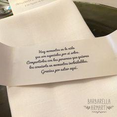 """Servilletero personalizado con mensaje en el interior, aprovechamos el logo que diseñamos a los novios para personalizar toda la papelería, Bodas Únicas con """"BARBARELLA ARMARTI"""""""