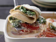 Crespelle mit Spinat und Ricotta - auf Tomaten-Gratin - smarter - Kalorien: 607 Kcal - Zeit: 45 Min.   eatsmarter.de Spinat und Ricotta gehen immer!