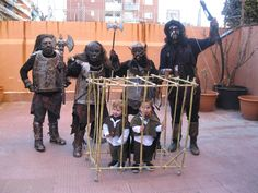 Costumed school children at Carnival in Spain. Those little Hobbitses are screwed.