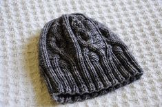 Declan's Hat by Samantha Kirby, knitted by bananagranola