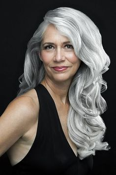 Woman with long, wavy gray hair, portrait. Blonde Grise, Silver Haired Beauties, Silver White Hair, Salt And Pepper Hair, Long Gray Hair, Beautiful Old Woman, Natural Hair Styles, Long Hair Styles, Drop Dead Gorgeous