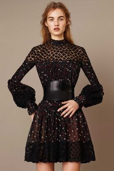 All the runway looks from Alexander McQueen: Paris Ready-to-Wear Pre-fall 2015