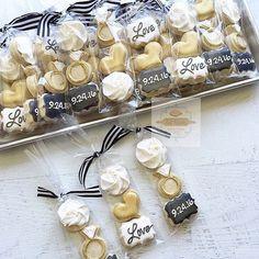 Weddings - -Loving these bridal shower mini packs blackwhiteandgold Mini Cookies, Fancy Cookies, Iced Cookies, Royal Icing Cookies, Sugar Cookies, Anniversary Cookies, 50th Wedding Anniversary, Wedding Shower Cookies, Engagement Cookies
