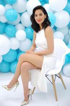 "bestcelebritylegs: ""Olivia Munn sexy legs in a white dress and pumps "" I ❤️ her dress and high heels, she has beautiful legs Great Legs, Beautiful Legs, Gorgeous Women, Nice Legs, Soft Legs, Pernas Sexy, Sexy Women, Sexy Legs And Heels, Beautiful Celebrities"