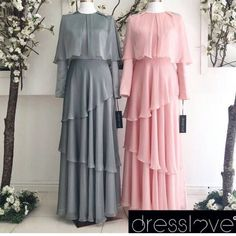 I like the bottom but the top needs to be a lot less. Abaya Style, Hijab Style Dress, Dress Up, Abaya Fashion, Muslim Fashion, Modest Fashion, Fashion Dresses, Abaya Designs, Designer Gowns