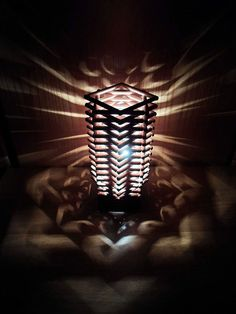 Cool DIY Lamps for Teen Bedroom | Wooden Dowel Lamp by DIY Ready at http://diyready.com/diy-projects-for-teens-bedroom/